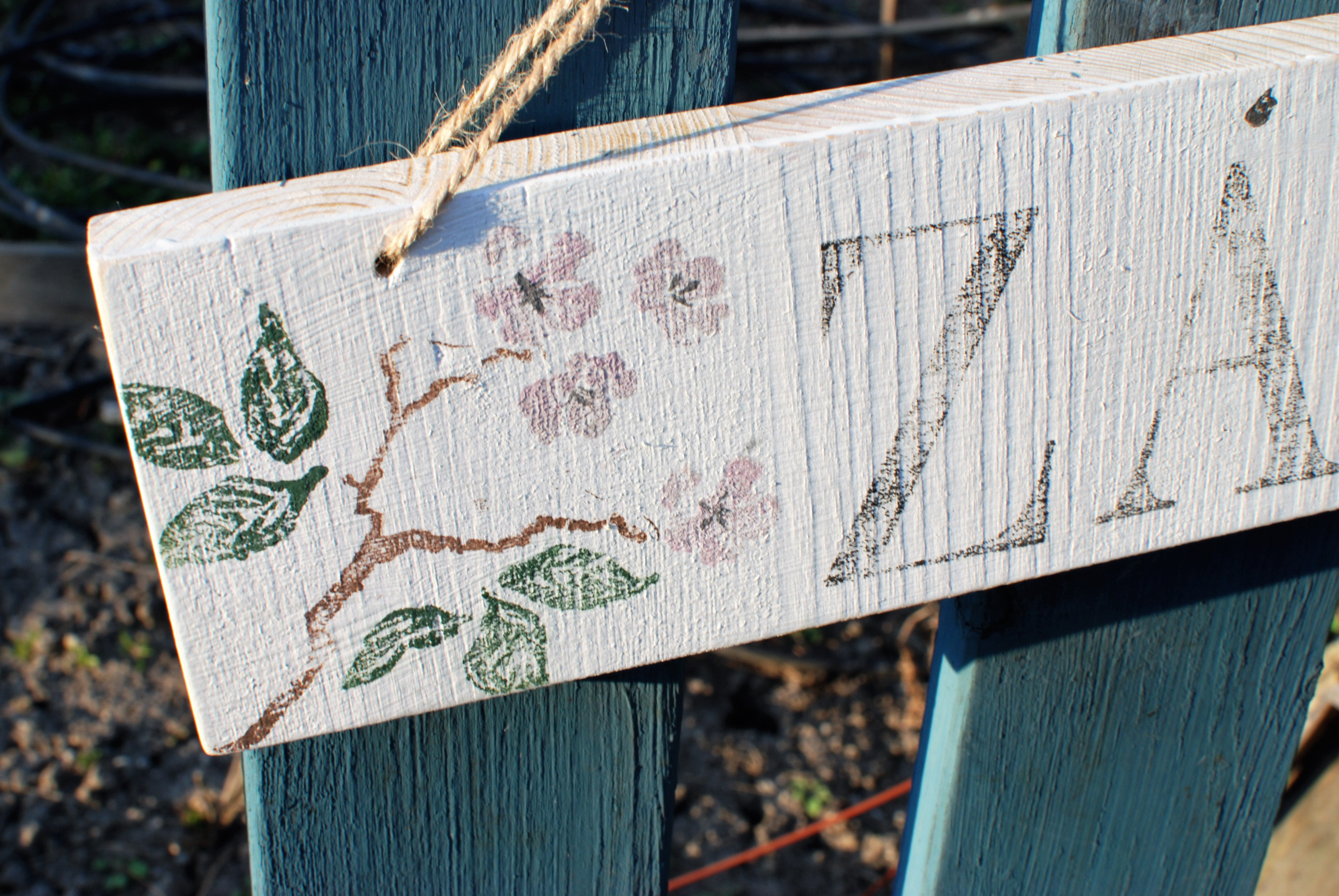 IOD Décor Stamp Birds Branches Blossoms